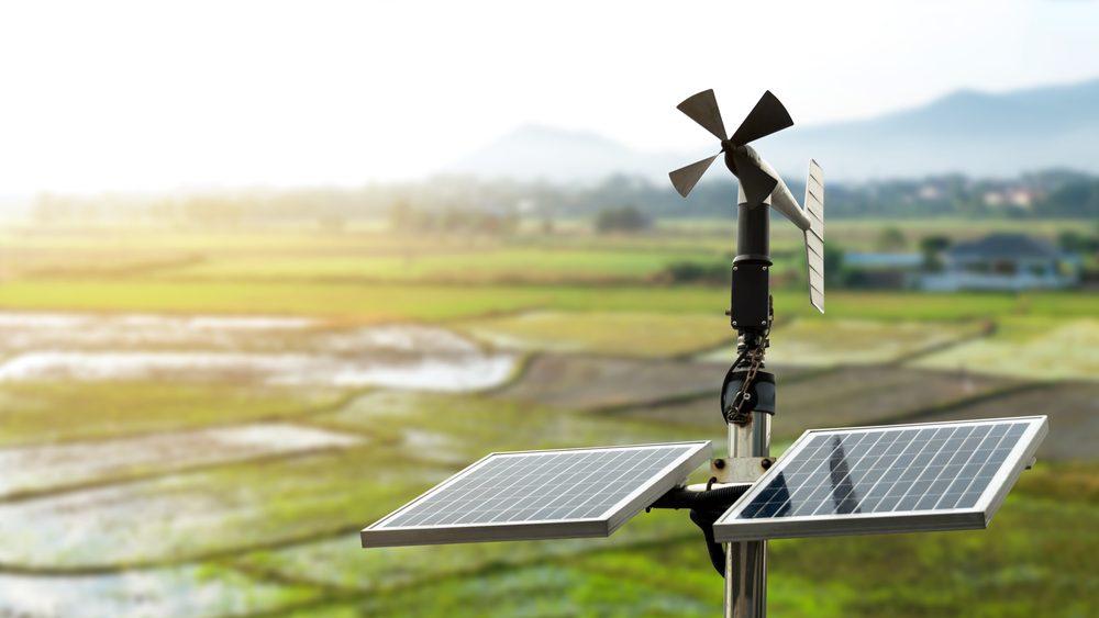 estación meteorológica profesional con placa solar